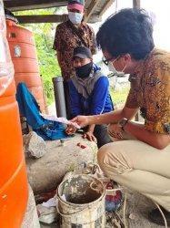 Petani Asal Cempa Pinrang Sulap Bangkai Tikus Jadi Biogas
