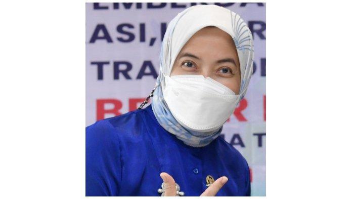 Anggota DPR Aliyah Mustika Ilham Ajari Warga Cara Bijak Memilih Obat dan Alat Kosmetik