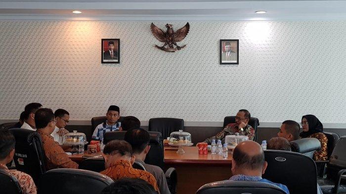 Anggota DPR RI Sambangi DPRD Sulbar, Dengarkan Curhatan Kepala Dinas
