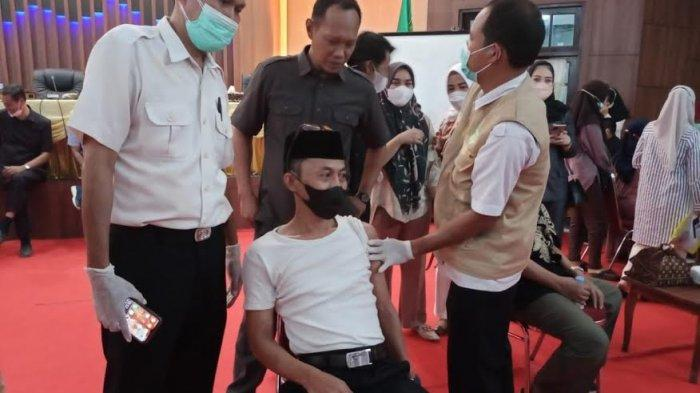 Lima Anggota DPRD Barru Belum Jalani Vaksin Tahap Pertama
