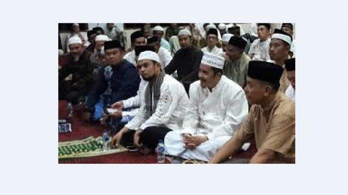 Andi Hadi Pimpin Shalat Gaib untuk BJ Habibie di Masjid Al Musyawarah