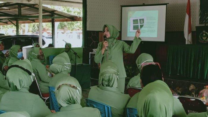 Ketua Persit Kodim 1402/Polmas Ingatkan Istri Prajurit Bijak Bermedsos
