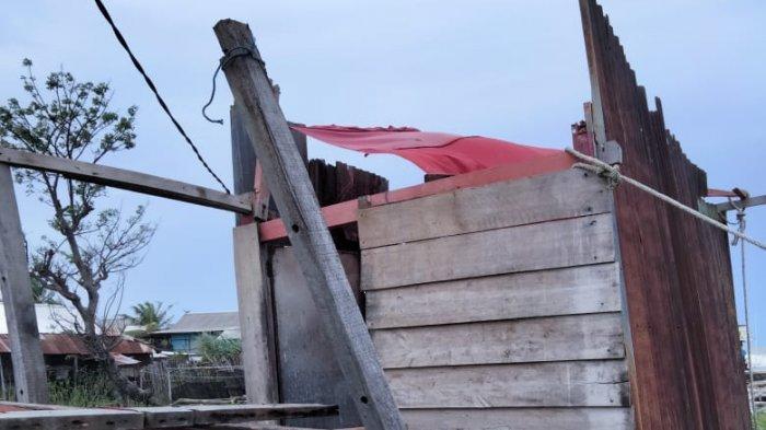 Angin Kencang, Rumah Warga Pallameang Pinrang Rusak Parah