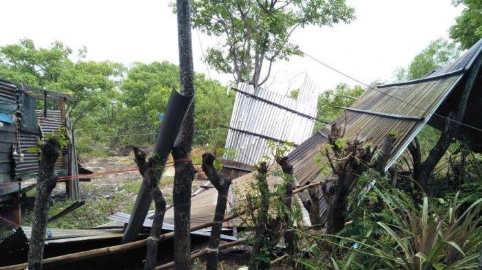 Satu Rumah Rusak Akibat Angin Puting Beliung di Pulau Sembilan Sinjai