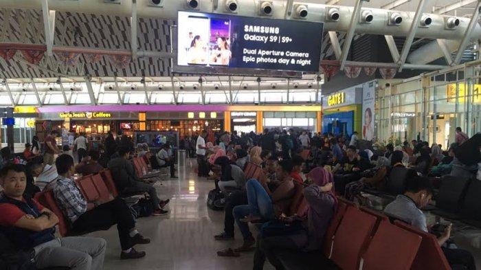 H+3 Lebaran, Bandara Sultan Hasanuddin Mulai Dipadati Penumpang