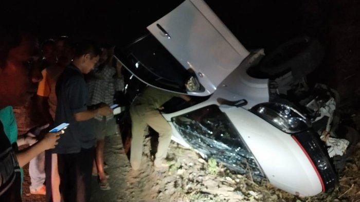 Mobil Kepala Kantor Kemenag Wajo Kecelakaan di Sabbangparu Wajo, Begini Kronologisnya