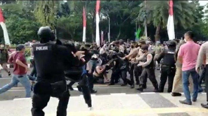 Bupati Tangerang Minta Maaf dan Prihatin atas Aksi Smackdown di Depan Kantornya