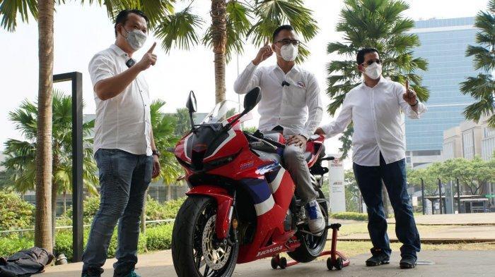 Ronald Sinaga Pemilik Pertama Honda CBR600RR di Indonesia
