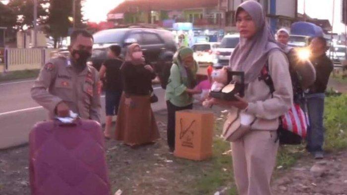 Terulang, Penyebab Dheya Atlit Peraih Emas di PON XX Papua Pulang Naik Angkutan Umum