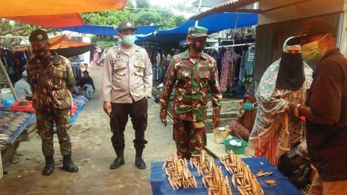 Patroli Gabungan, Personil Polsek Maiwa Tegur Warga Tidak Patuh Prokes
