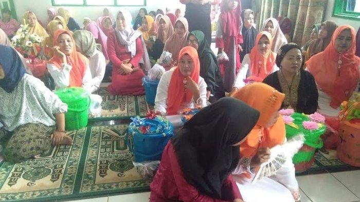 Tradisi Warga Desa Alesipitto Pangkep Sambut Maulid Nabi Muhammad SAW