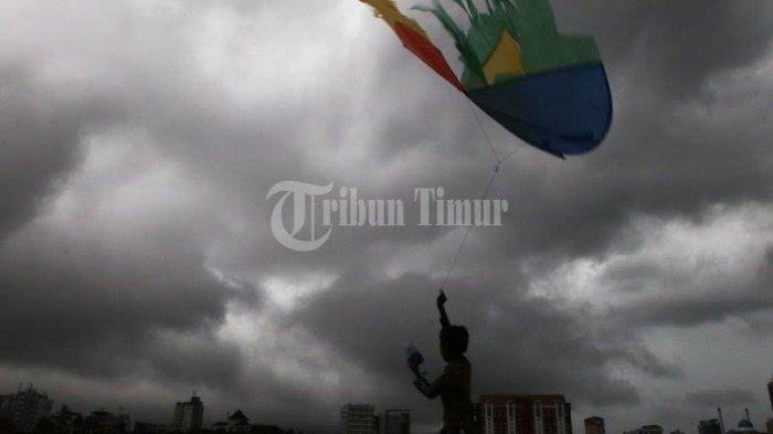 Prakiraan Cuaca BMKG Minggu 22 November 2020 di 33 Kota: Makassar, Ambon dan Mamuju Hujan ringan