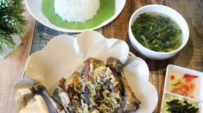 Enaknya Sajian Khas Gowa, Ayam Tolak Pinggang di Hologram Cafe & Eatery