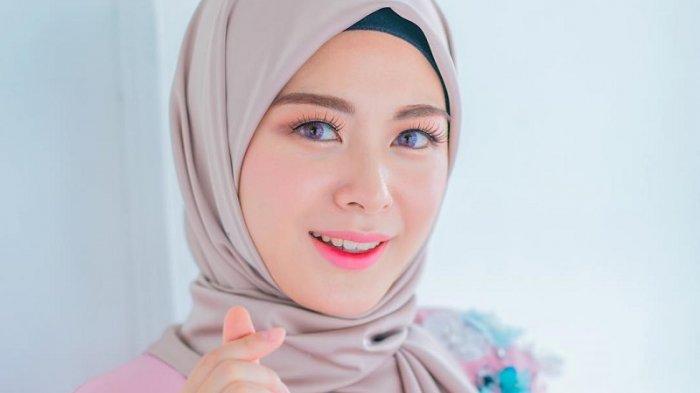 Jauh-jauh ke Indonesia, Coba Intip Ternyata Berikut 4 Kegiatan Si Cantik Ayana Jihye Moon di Sini