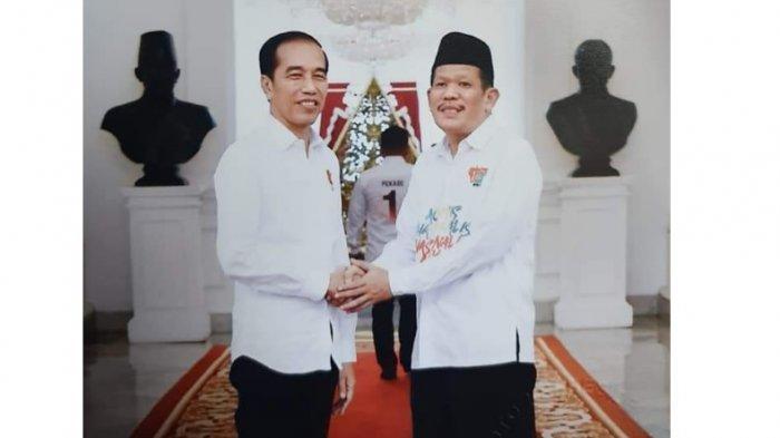 Lihat Tangan, Bandingkan Foto Ketua Golkar & PKB Sulsel Salaman Presiden Jokowi dan Bocoran Menteri - azhar-arsyad-dan-jokowi.jpg