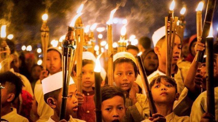 BACAAN LENGKAP Takbir Hari Raya Idul Fitri 2019 yang Benar & Lengkap, Dikumandangkan Malam Nanti