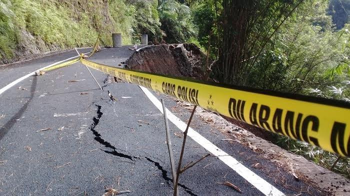 Lima Hari Akses Jalan Botolempangan ke Bontokatute Belum Dibuka, Dinas PUPR Hanya Koordinasi Pemprov