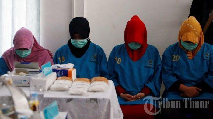 FOTO: BNNP Sulsel Musnahkan Sabu-sabu Seberat 3 Kilogram - badan-narkotika-nasional-provinsi-bnnp-sulawesi-selatan-merilis-pelaku0.jpg