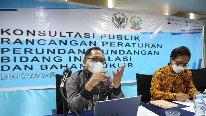 Badan Pengawas Tenaga Nuklir (BAPETEN) mengadakan Konsultasi Publik Penyusunan RUU Ketenaganukliran di Hotel Aryaduta Makassar, Kamis (1062021). RUU ini diharapkan akan menggantikan UU No. 10 tahun 1997 tentang Ketenaganukliran yang saat ini dengan adanya perkembangan teknologi dan semakin meluasnya pemanfaatan teknologi nuklir dalam bidang kesehatan, industri, dan pertambangan, dirasakan sudah tidak sesuai lagi.