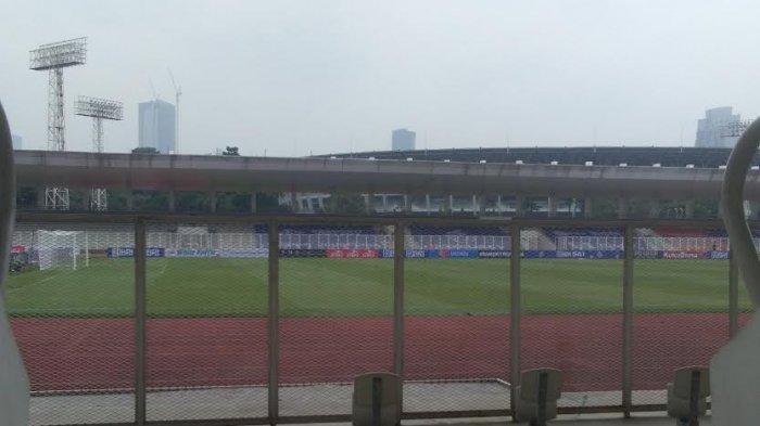 6 Jam Jelang Laga PSM vs Madura United di Jakarta, Petugas Masih Potong Rumput Stadion
