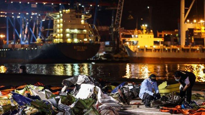Terbaru! Basarnas Evakuasi 272 Kantong Jenazah Berisi Bagian Tubuh Korban Sriwijaya Air Jatuh