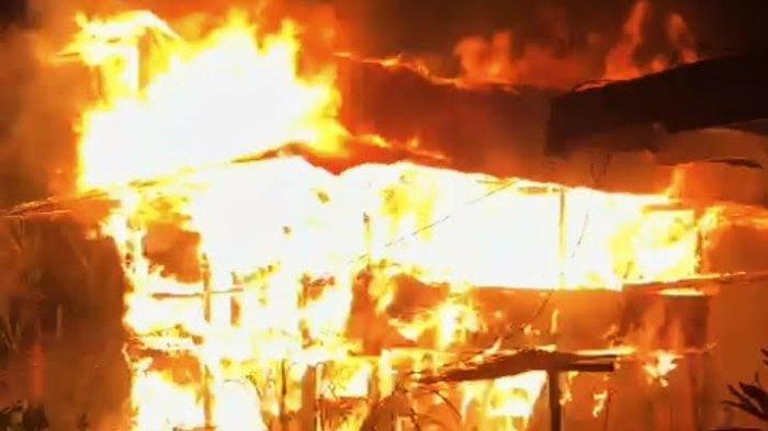 Bakar Jerami untuk Usir Nyamuk, Rumah Pensiunan PNS di Tammuan Tana Toraja Terbakar