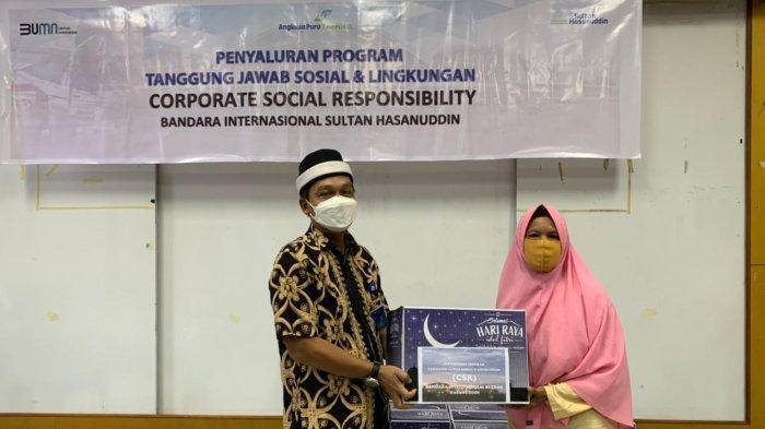 Bandara Sultan Hasanuddin Bagikan Paket Sembako Senilai Rp 100 juta