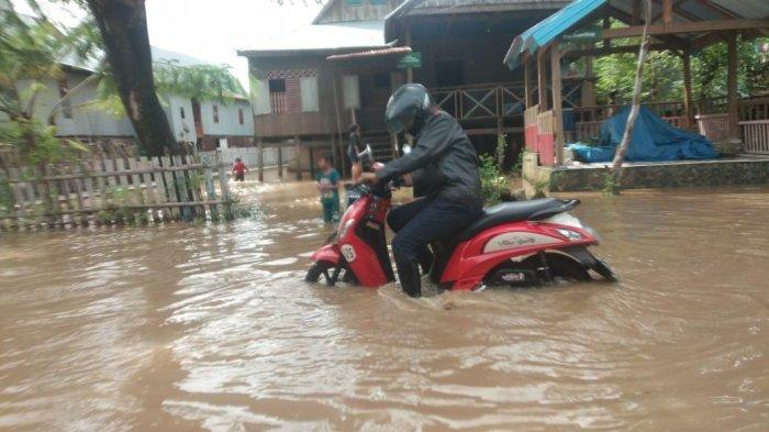 Dua Sungai Meluap, Banjir Rendam Warga Tamanroya Jeneponto