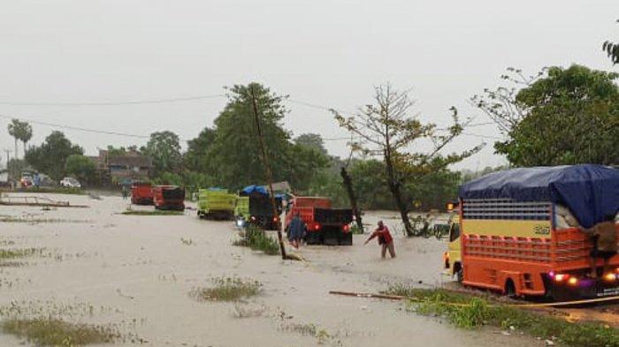 Banjir Wajo dari Pagi Sampai Siang Rendam Poros Sengkang - Palopo, ini Jalur Alternatif Bisa Dilalui
