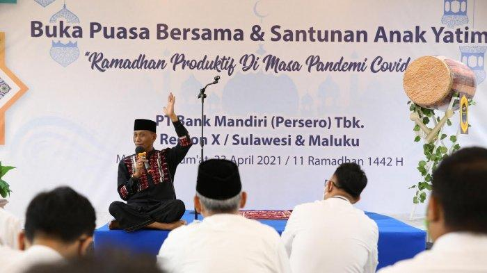 Bank Mandiri Sulawesi dan Maluku Berbagi Takjil Ramadan