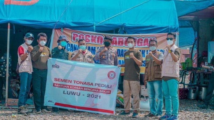 PT Semen Tonasa Bantu Warga Terdampak Banjir dan Longsor di Walenrang dan Lamasi