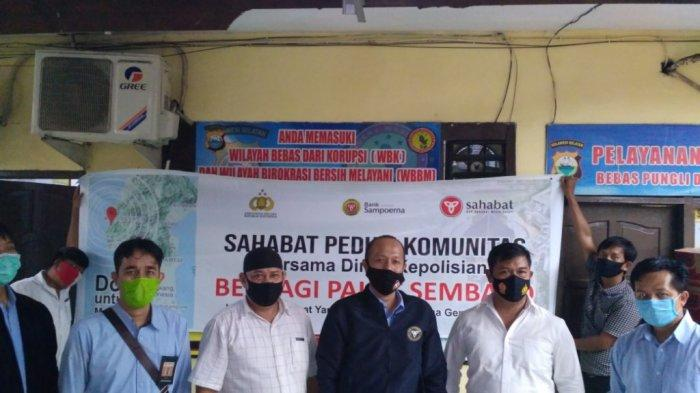 Bantuan sembako dari KSP Sahabat Mitra Sejati untuk warga Sulawesi Barat