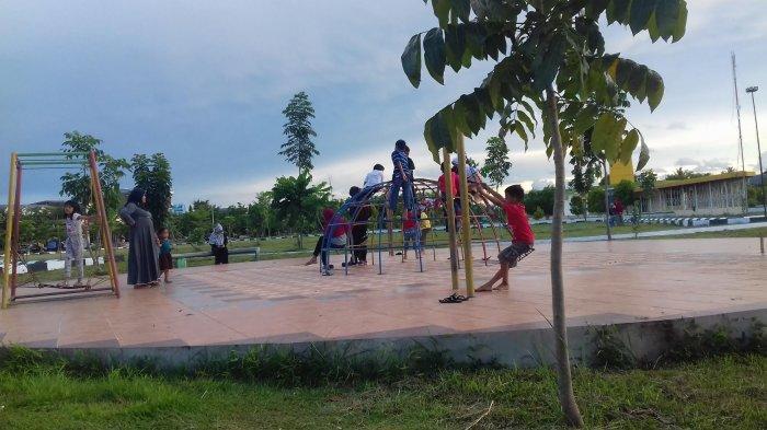 Taman Colliq Pujie Barru Kian Ramai di Sore Hari, Ini Sebabnya - barru_20171115_200928.jpg