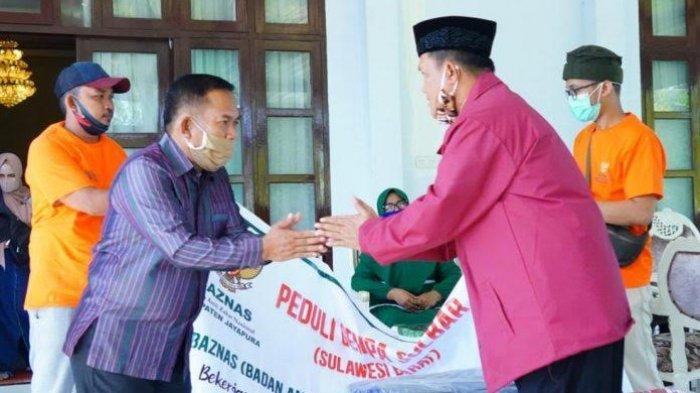 Baznas dan BKMT Jayapura Salurkan Beras dan Sajadah untuk Korban Gempa Majene