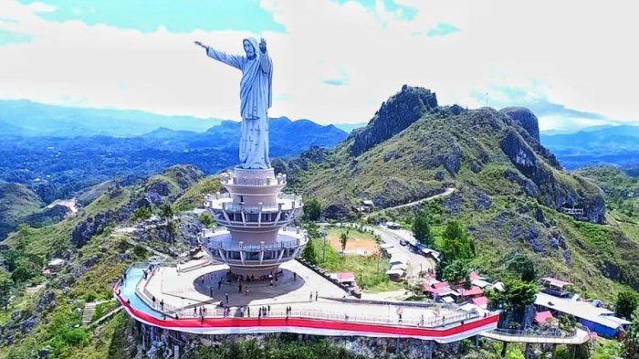 Bendera Merah Putih 76 Meter Dikibarkan di Buntu Burake Tana Toraja