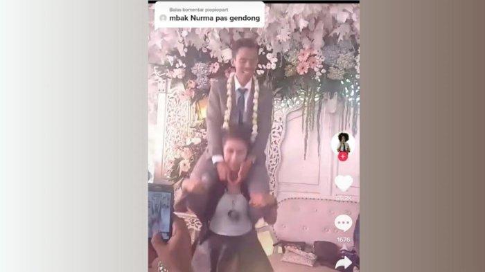 Viral! Biduan Gendong Pengantin Pria di Pundak Sambil Joget, Mempelai Wanita Ketawa