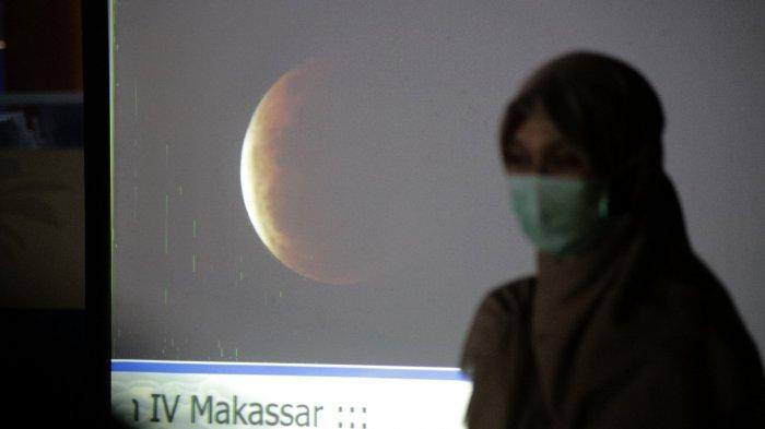 FOTO: BMKG Makassar Amati Super Blood Moon - bmkg-makassar-melakukan-pengamatan-super-blood-moon-rabu-2652021-1.jpg