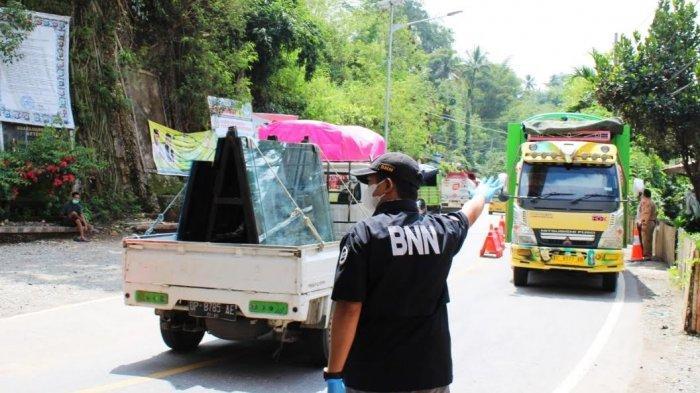 Terindikasi Gunakan Narkoba, Sopir dan Kondektur Truk Diamankan BNNK Tana Toraja di Salubarani