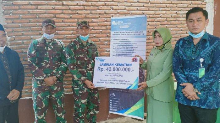 Prajurit TNI Kodim Polmas Meninggal, Istri Almarhum Dapat Santunan Rp42 Juta dari BPJS