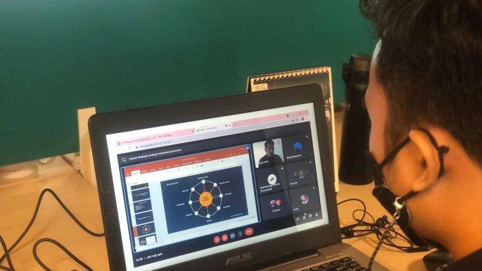 Caesar Radisyah Bagi Tips Optimasi Website di Webinar Bukit Baruga