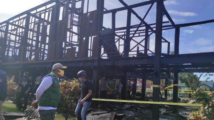 Bupati Bone Minta Polisi Selidiki Penyebab Kebakaran Rumah Adat Bola Soba