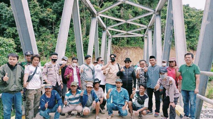 Warga Bungin-Maiwa Gelar Syukuran Jembatan Sungai Lemo