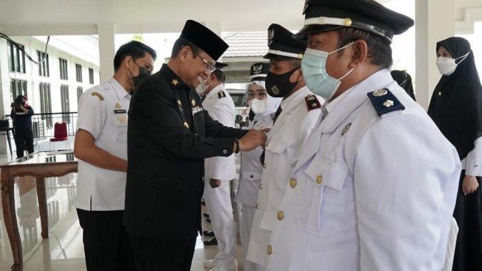Bupati Luwu Lantik 60 Pejabat Administrator dan Pengawas, Ambo Tuo Jabat Camat Kamanre