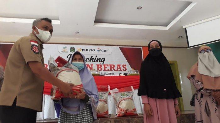 Bupati Luwu Timur Launching Bantuan Beras PPKM 21.476 Keluarga Penerima Manfaat