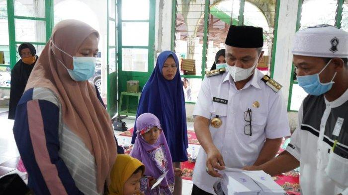 Bupati Luwu Timur dan LPUI Santuni Anak Yatim dan Dhuafa di Mangkutana