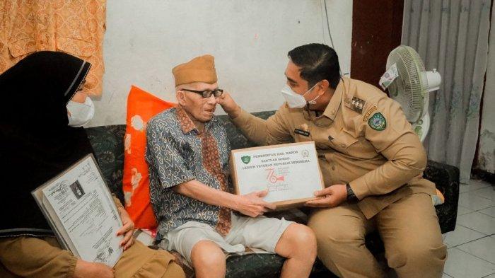 Dikunjungi Chaidir Syam, Veteran Maros Ceritakan Perjuangannya Sebelum Indonesia Merdeka