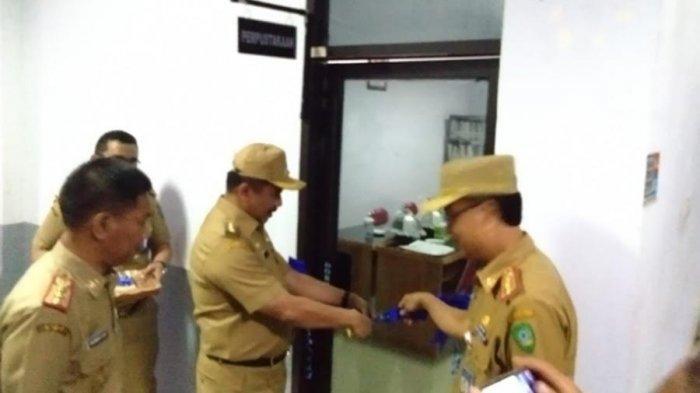 Cerdaskan ASN Maros, Hatta Rahman Resmikan Perpustakaan di Kantor Pemkab