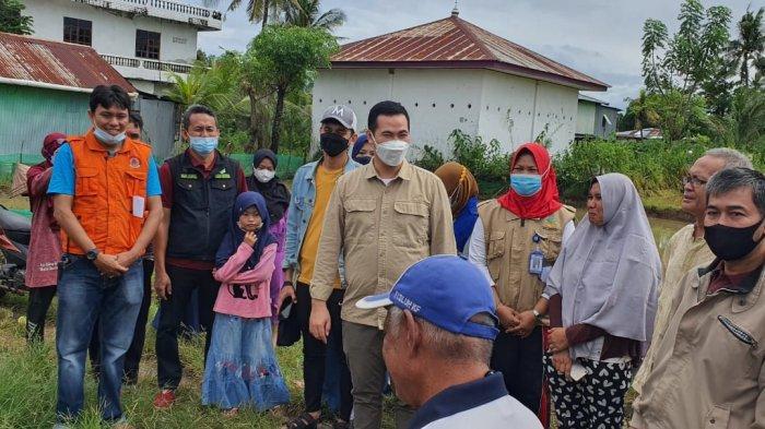 Gerak Cepat, Bupati Pangkep Yusran Lalogau Turun Langsung Salurkan Bantuan ke Korban Puting Beliung
