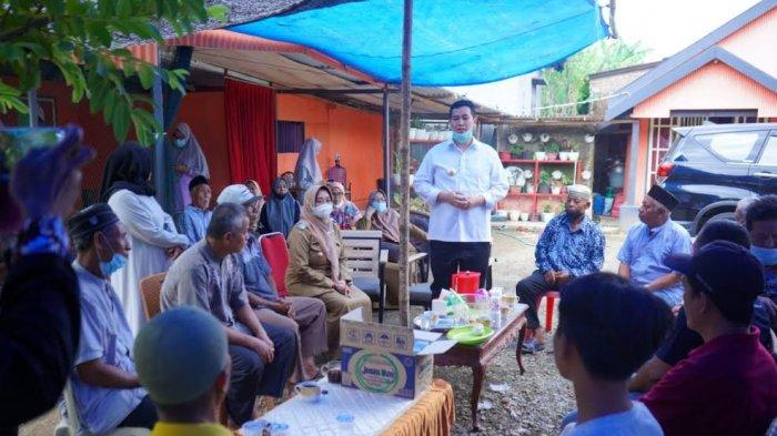 Dapat Bantuan dari Balitsereal Maros, Bupati Pangkep Sumbang Bibit Jagung ke Petani