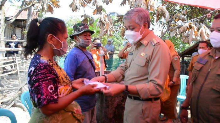 Korban Kebakaran di Pinrang Terima Santunan dari Bupati Pinrang